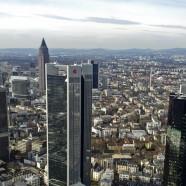 Frankfurt nad Menem. Wychyl nos z lotniska!